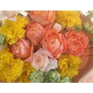 【母の日】フラワーアレンジメント・オレンジイエローL flowerliberte
