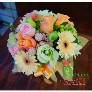 季節のお花を使ったおまかせラウンドアレンジ(...の関連商品10