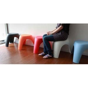 軽くて、強くて、コンパクトで、キュート。世界的デザイナーである柳宗理によるデザインによる3本脚の【象...