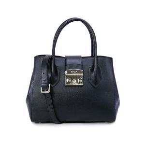 ※ご使用には全く問題ございませんが、バッグの背面左上に皺が見られます(11枚目画像参照)。また、正面...