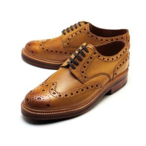 英国紳士のためのシューズの代名詞的な存在であり1866年に創業された老舗シューズブランド「GRENS...