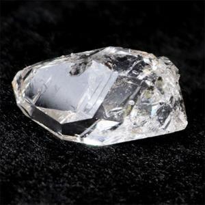 【サイズ】約30mm×14mm×13mm 重さ約7.8g【素材】 ハーキマーダイヤモンド【産地】アメ...