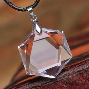 天然石 透明天然水晶六芒星 ダビデの星 ペンダントトップ...