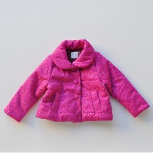 ふわっとしたシルエットがかわいい中綿アウターです。 ボリュームのある丸衿や発色の良いピンクにキラキラ...