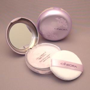 シネオラ アクトレスミニパウダー セクシーパープル 8g |fragrance-freak