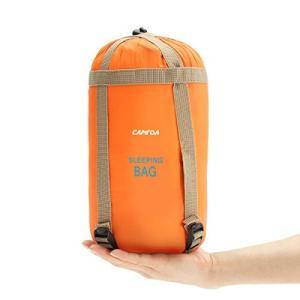 超軽量、小型&簡単に旅行 - 男性、女性、子供用のこの省スペース夏用寝袋は、わずか19cmの高さに圧...