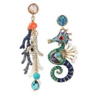ベッツィージョンソン ピアス Betsey Johnson  Gold-Tone Multi-Stone Ocean Motif Mismatch Drop Earrings (Multi) マルチストーン ドロップピアス (マルチ) fromla