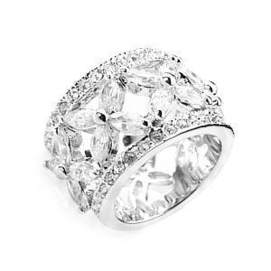 ゴージャス指輪 フルエタニティ 中指 花の指輪 リング