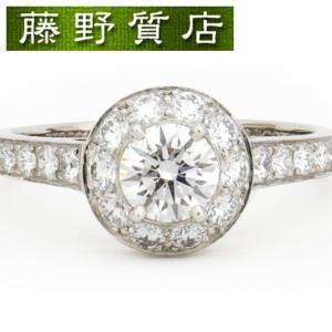 センターダイヤが引き立つ豪華なイコーヌリングです。 ダイヤの廻りや脇にもダイヤモンドがセッティングさ...