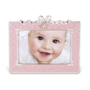 赤ちゃんの表情を楽しく、華やかに彩るフォトフレーム。