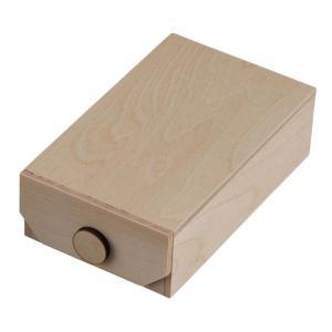 木製のボックス。