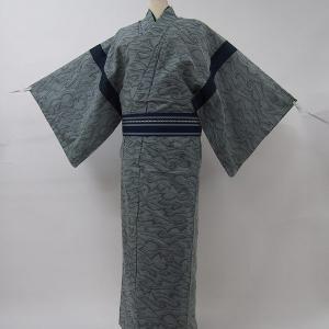 商品説明   女性用ウール着物の色柄と身丈の長さを利用して、男性用長着にリメイクした福服特製ウールシ...