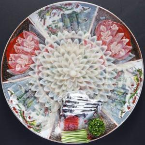 冷蔵便 天然 とらふぐ刺身 33cm陶器絵皿 4〜5人前 天然刺身 皮刺し|fukunosato