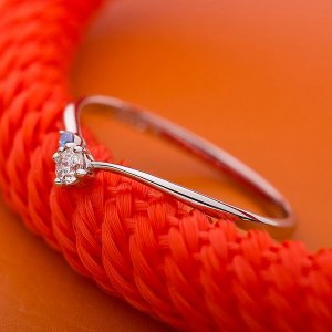 〔鑑別書付〕プラチナPT950 天然ダイヤリング 指輪 ダイヤ0.05ct アイスブルーダイヤ0.01ct 8号 V字モチーフ|funnyfunny