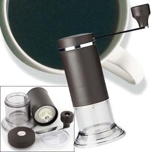 日本製のセラミックコーヒーミル。セラミック刃は回転時でも熱を持ちにくく金属臭もない為、コーヒーの風味...