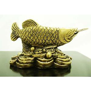 金運UPの龍魚の置物(アロワナ)(風水古銭付き)