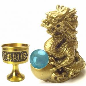 お置き場所などの詳しい説明書も付いているので安心。  ●《4本指の龍とは?》 四本指の龍は皇帝に仕え...