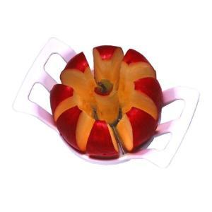 リンゴの8つ切りが一回の動作で完了する便利グッズです。安心の日本製です。  リンゴの上から押し込むこ...