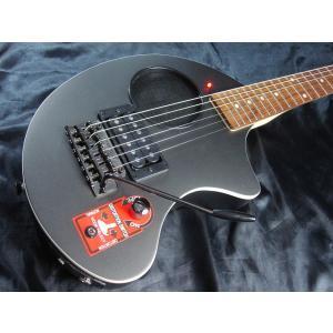 フェルナンデスのロングセラー商品!! アンプ、スピーカー内蔵エレキギター『ZO-3芸達者』です。 ノ...