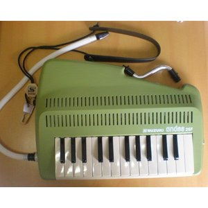 SUZUKI 鍵盤吹奏笛 andes25F