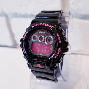 人気の配色ブラック×ピンクのGショックミニ! g-shockminiはGショックの機能そのままにダウ...