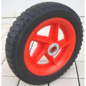 ハウスカー用のソフトノーパンクタイヤです。 ■サイズ 10インチ ■中心穴径(約)直径20mm 穴幅...