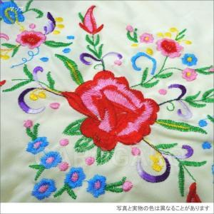 [大判] 刺繍のシージョ Marisol (マリソル) 生地とフレコ:クリーム 刺繍:多色 [フラメンコ用]|garogaro|02