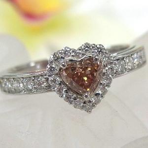 ■材質/プラチナ(Pt900)  ■ピンクダイヤ/0.413ct ■ダイヤモンド/0.33ct ■総...