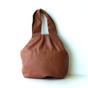 ソフトな革の口金バッグ B|gigiliving