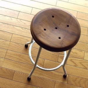 ハイスツール 木製 アイアン 椅子 カウンターチェア レトロ 高さ50cm ホワイトアイアンとウッドのスツール M|gigiliving