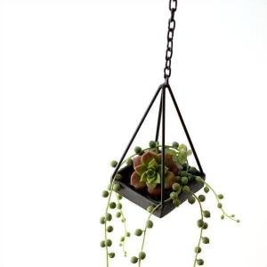 ハンギングプランター アイアン 吊り下げプランター おしゃれ シンプル 手作り アンティーク レトロ チェーン付アイアン三角プランター|gigiliving