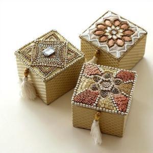 アクセサリーボックス ふた付き 小物入れ 刺繍 ビーズ おしゃれ かわいい エレガント 小物ケース アクセサリーケース ビーズ刺繍スクエアボックス 3タイプ|gigiliving