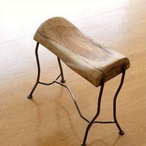 スツール 木製 天然木 おしゃれ 無垢材 アイアン 鉄脚 ナチュラル シンプル 椅子 リビングチェア ウッドスツール 玄関 ウッドとアイアンのアフリカンスツール|gigiliving