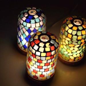 香りを広げるディフューザーと 幻想的な輝きのモザイクライトが 一つになりました  お部屋に映る多彩な...