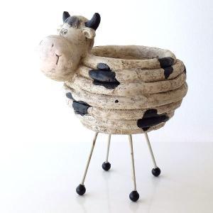 牛の背中に花やグリーンの鉢を入れる ユニークなプランターカバーです  のんびりした、気のいい牛さんが...
