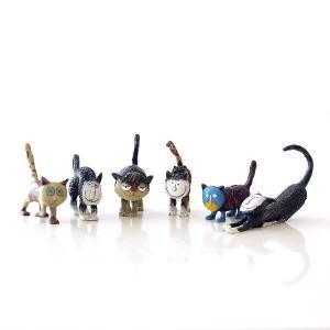ユニークで笑えちゃう 個性派ネコの置物です  一個は手のひらに乗るサイズですが 6個並べて置くと、存...