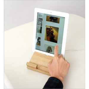 タブレットスタンド 木製 iPadスタンド タブレットPCスタンド おしゃれ 充電しながら 横置き 縦置き 天然木 ウッドタブレットスタンド オーク|gigiliving|06