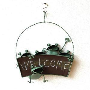 カエル 壁掛け 吊り下げ 置物 玄関 ブリキ グッズ 雑貨 オブジェ サイン Welcome おしゃれ かわいい インテリア ブリキのカエル ウェルカムハンギング|gigiliving