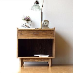 サイドチェスト ベッドサイドテーブル 木製 アンティーク レトロ ソファサイドテーブル デザイン ウッド ビンテージ 家具 シャビーシックなサイドチェスト|gigiliving