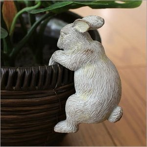 うさぎ 引っ掛けオブジェ 雑貨 置物 インテリア かわいい ラビット やんちゃな子ウサギ|gigiliving