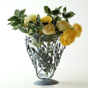 花瓶 花びん ガラス おしゃれ フラワーベース 花器 アイアンリーフの花瓶 グレイ|gigiliving