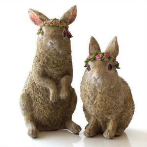 ウエルカムで飾ったり お庭やベランダの アクセントで置いて楽しむ置物です  花飾りが可愛い親子のウサ...
