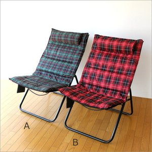 折り畳んで収納ができ、重量も軽く 持ち運びも楽にできる折りたたみ椅子です  ターターンチェックの2カ...