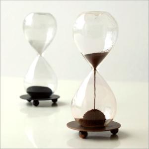 砂時計デザイン 置物 オブジェ インテリア ガラス 磁石 砂鉄 卓上 机上 モダン アンティーク おもしろ ディスプレイ サンドオブジェ 2カラー|gigiliving