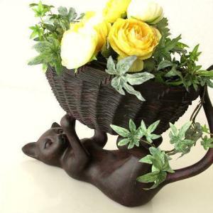 小物入れ 鉢カバー かご バスケット 猫 ネコ ねこ 雑貨 オブジェ 置物 収納 鉢入れ おしゃれ かわいい インテリア バスケットとネコ