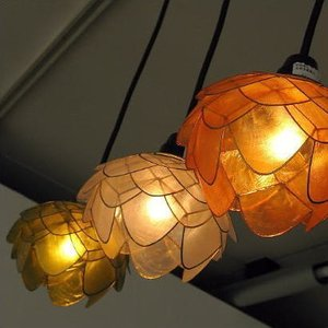 ペンダントライト アジアン おしゃれ かわいい 1灯 花 フラワー カフェ ナチュラル シーリングライト LED対応 天井照明 カピスシェルペンダントランプ|gigiliving