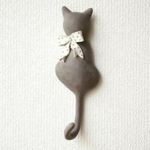 壁掛けフック ウォールフック 猫雑貨 ネコ ねこ 壁掛け キーフック 帽子掛け 鍵掛け アジアン雑貨 かわいい アンティーク レトロ ネコのテールフック リボン|gigiliving