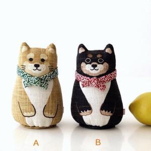 可愛い表情の 柴犬の手染めの麻人形 ちょこんと座る姿が可愛く それぞれ 首には唐草の手ぬぐいが・・・...