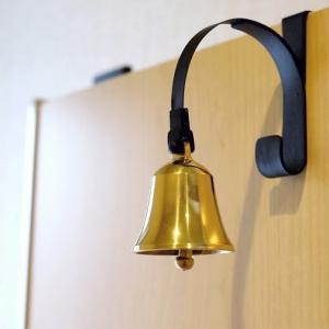 ドアベル 真鍮 おしゃれ インテリア かわいい 玄関 呼び鈴 店舗 アイアン アンティーク モダン デザイン 真鍮のドアベル ブラケットタイプ|gigiliving