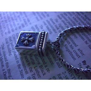 ・商品詳細・    当店新商品のオリジナルUSBメモリ4GB純銀シルバーネックレスです。   携帯に...